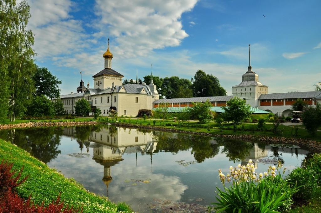 монастырь 2